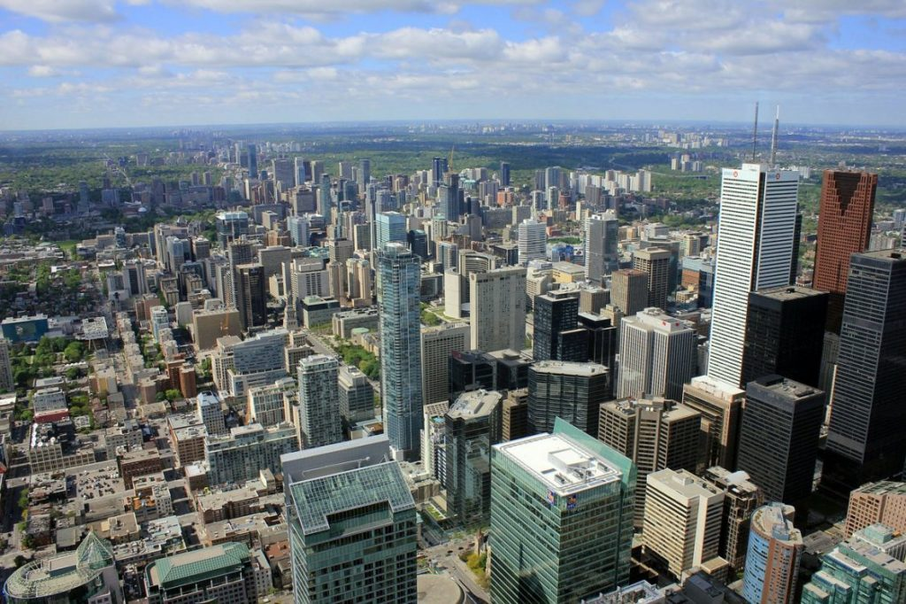 toronto-condo-demand-outpaces-vancouver-real-estate-peak-1126x750